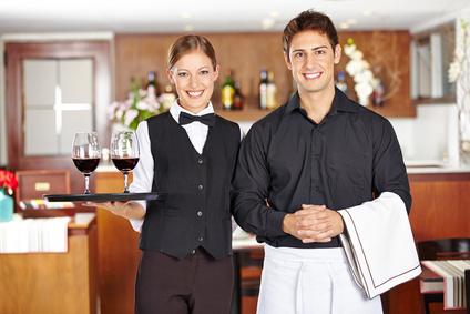 טיפים למלצרים אינם שכר עבודה